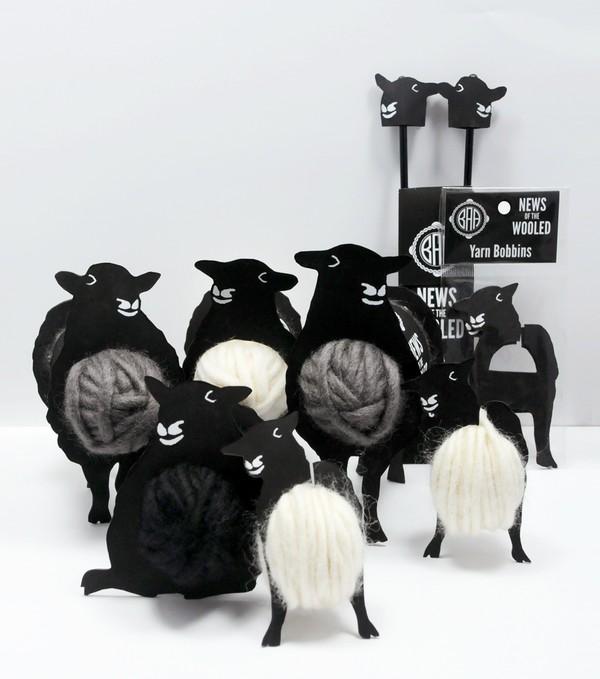 """1. Cảm giác thú vị khi tận tay """"thu hoạch"""" len từ chú cừu dễ thương."""
